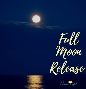 How to Use the Super Moon Energy to Cleanse Your Energy Field